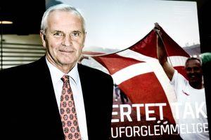 «Έφυγε» ο δάσκαλος της Δανίας! (photos+videos)