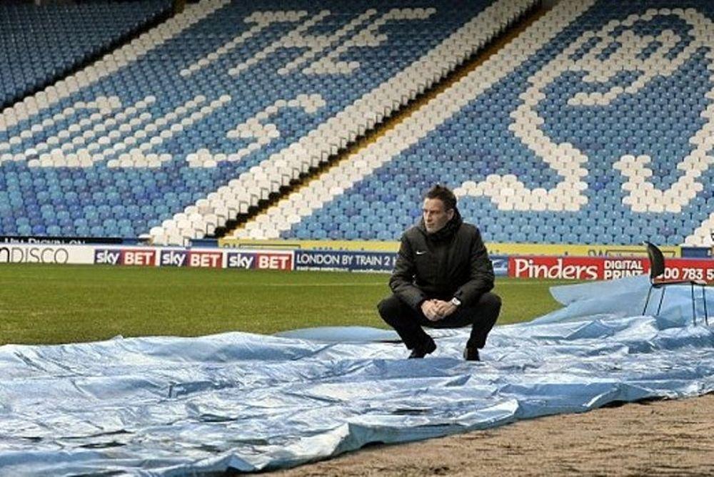 Αγγλία: Αναβολή σε τέσσερα ματς λόγω... πλημμύρας (photos)