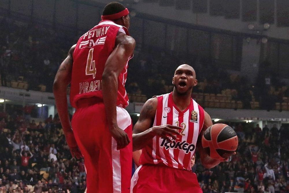 Σίμονς: «Να επιβάλλουμε το μπάσκετ του Ολυμπιακού» (video)