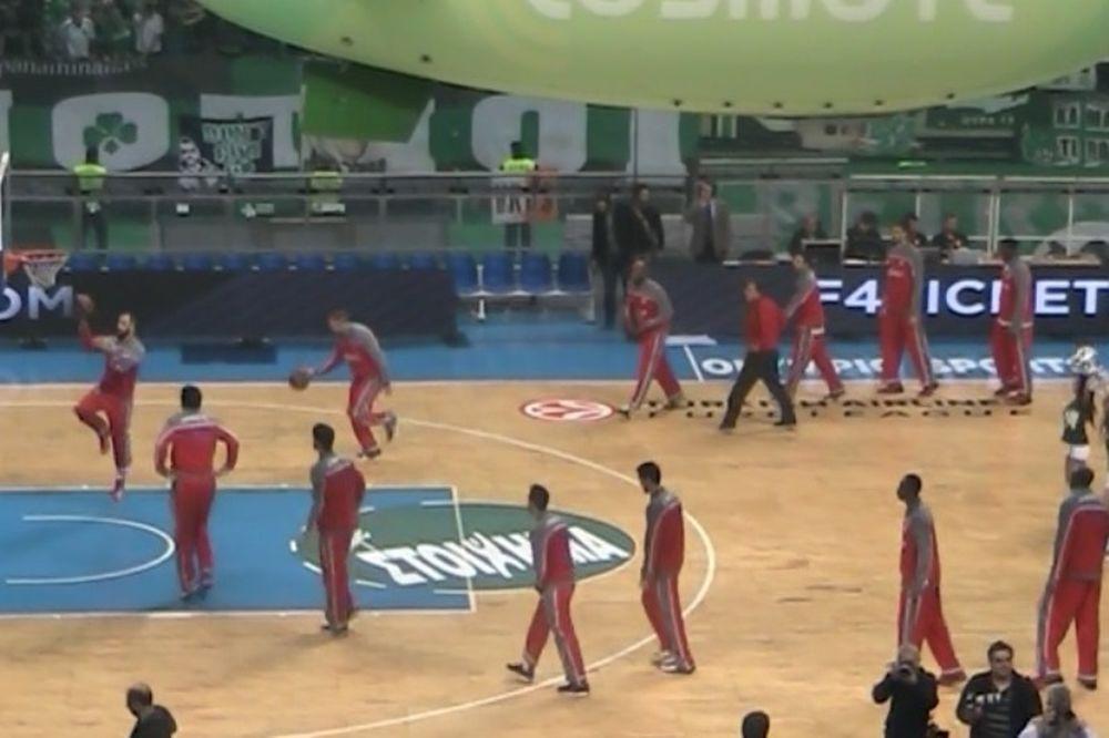 Onsports TV: Υπό αποδοκιμασίες ο Ολυμπιακός (video)