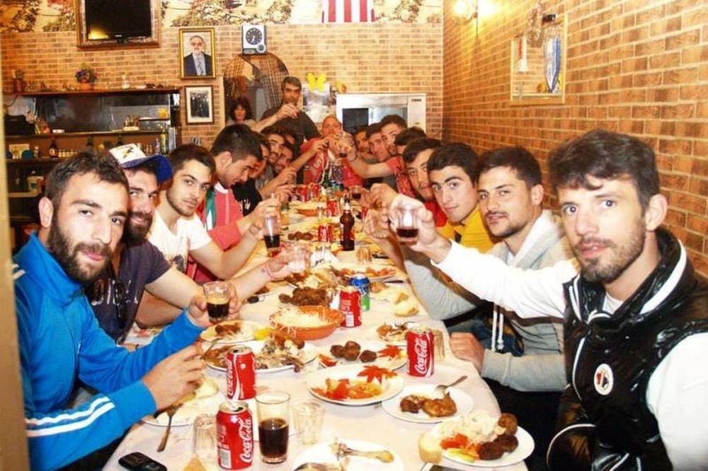 Δωτιέας Αγιάς: Τραπέζι από φιλάθλους