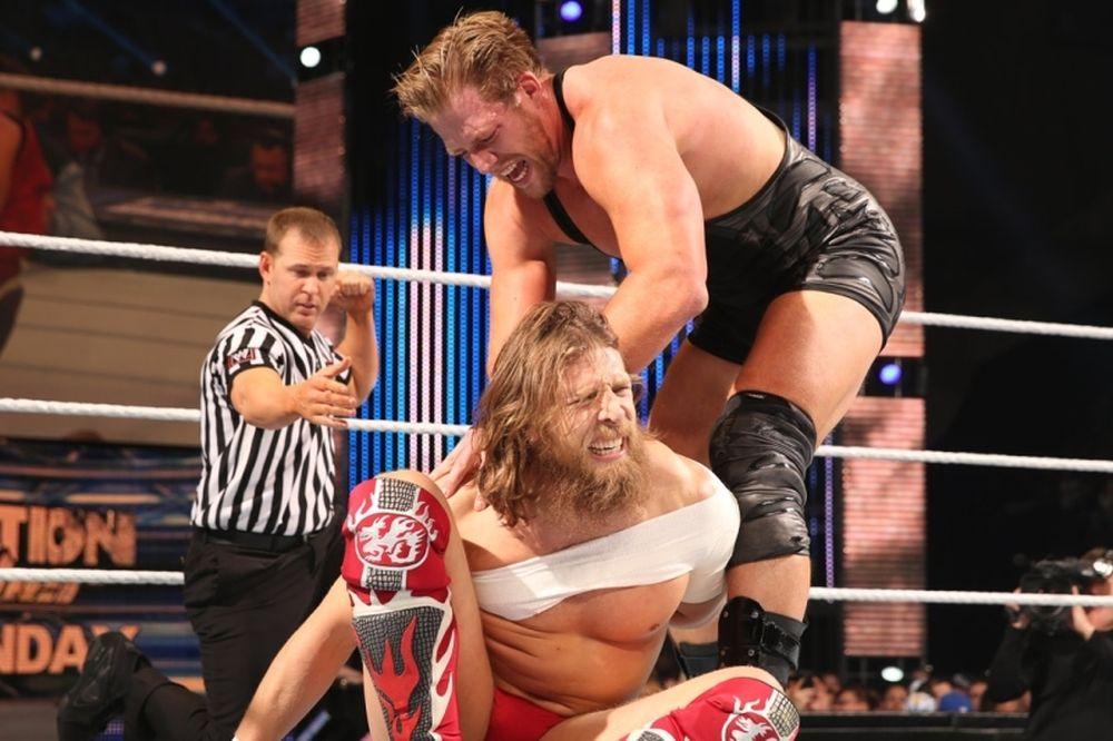 SmackDown: Νέα… διπλοβάρδια για Bryan (photos+videos)