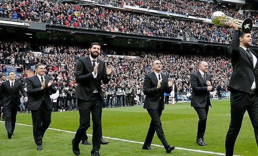 Ρεάλ Μαδρίτης: Αποθεώθηκε στο «Μπερναμπέου» ο Μπουρούσης (videos)