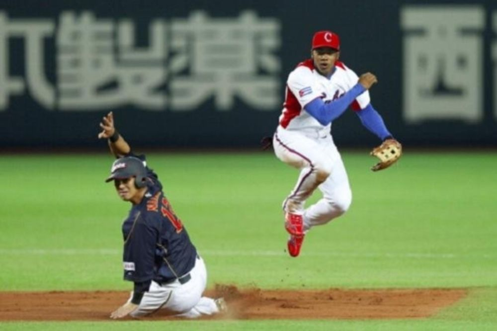 MLB: Ανακοίνωσαν Arruebarruena οι Ντότζερς