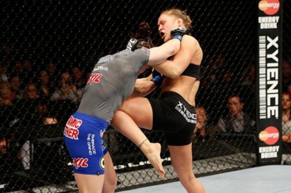 UFC 170: Αφεντικό στο Λας Βέγκας η Rousey (GIFs)