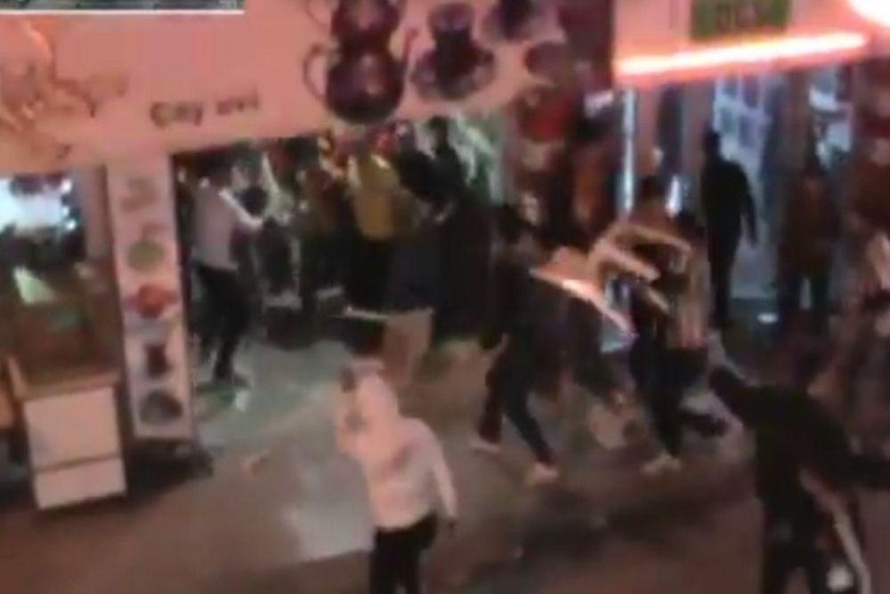 Γαλατάσαραϊ - Μπεσίκτας: Τρελός... καρεκλοπόλεμος στην Πόλη! (video)