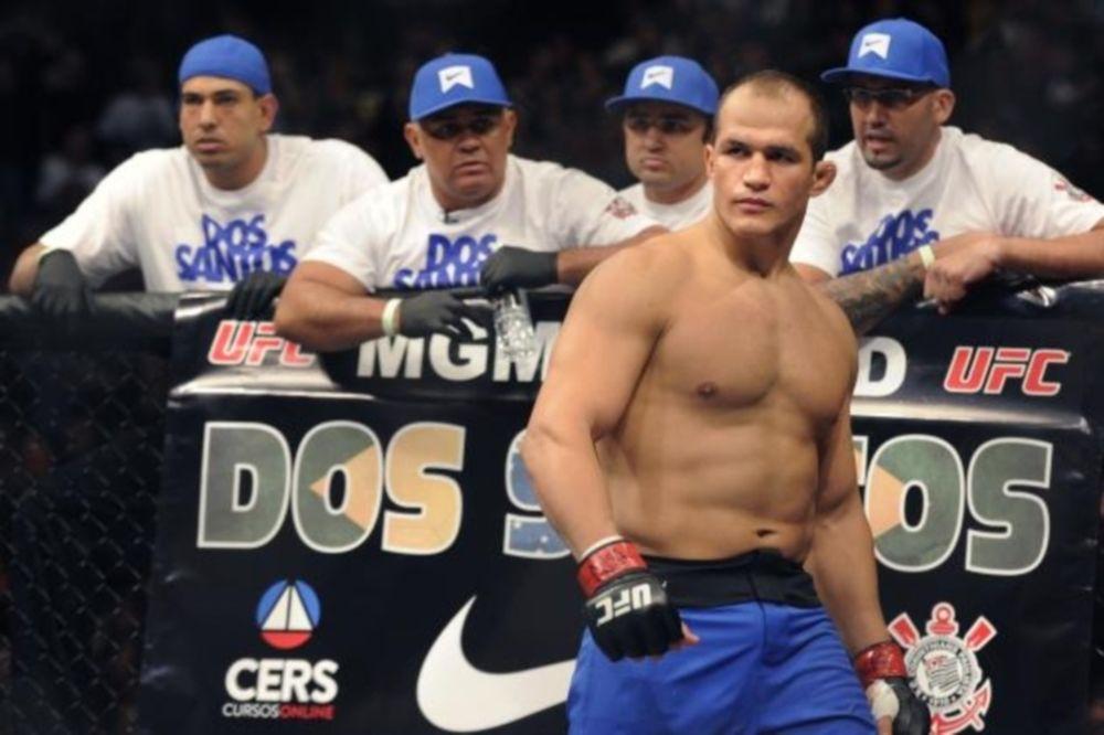 UFC: Επιμένει ο Dos Santos για Velasquez