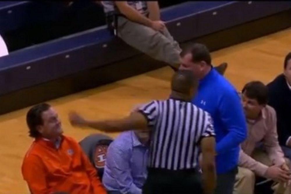 NCAA: Διαιτητής απέβαλε οπαδό! (video)
