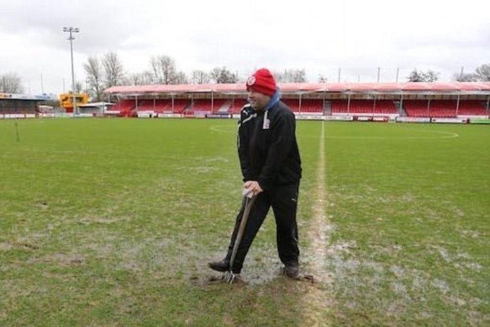 Αγγλία: Απολύσεις λόγω... λάσπης στο γήπεδο! (photos)