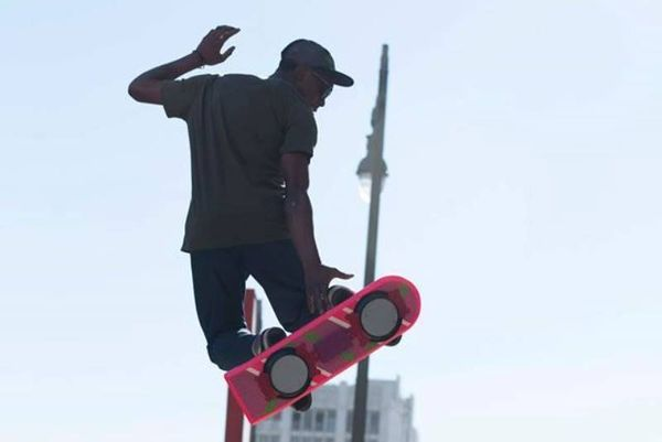 Skateboards που αιωρούνται στον αέρα! (photos+videos)