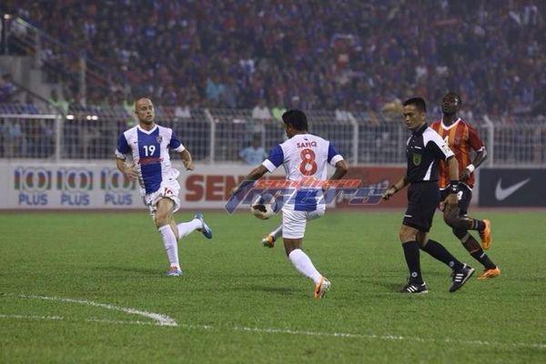 Μαλαισία: Ακόμη ένα γκολ ο Φιγκερόα εν μέσω της τραγωδίας (photos+video)