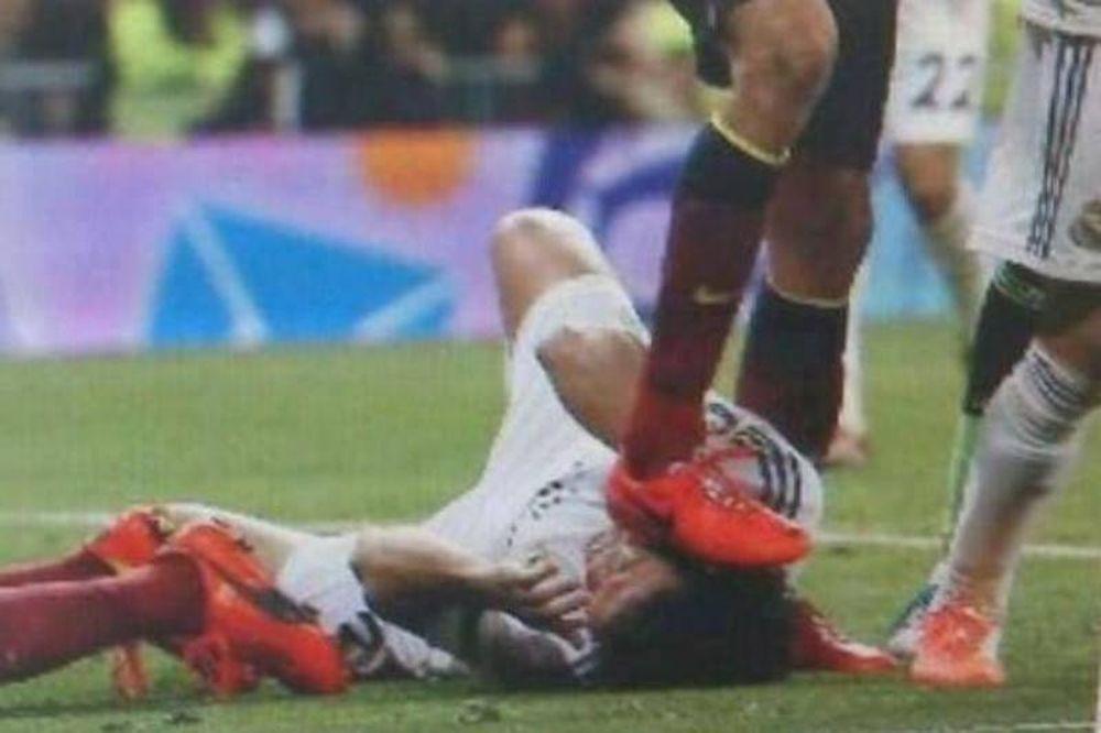 Ρεάλ Μαδρίτης - Μπαρτσελόνα: Ποιος πάτησε τον Πέπε; (photo+video)