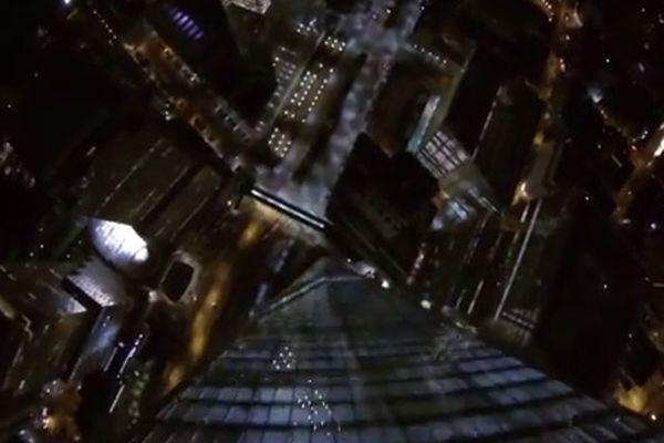 BASE jumping: Ξινή η... πτώση από τον «Freedom Tower» της Νέας Υόρκης (video)