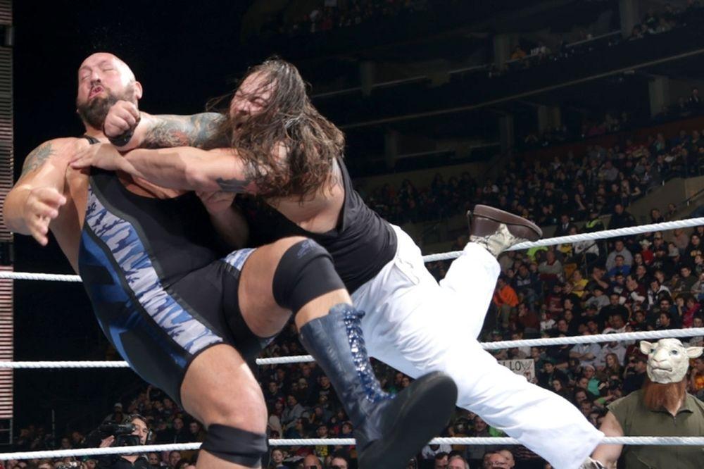 SmackDown: Έριξε τον… γίγαντα ο Bray Wyatt (photos+videos)