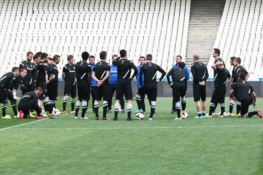 ΠΑΟΚ: Ομιλία Γεωργιάδη στους παίκτες (photos)