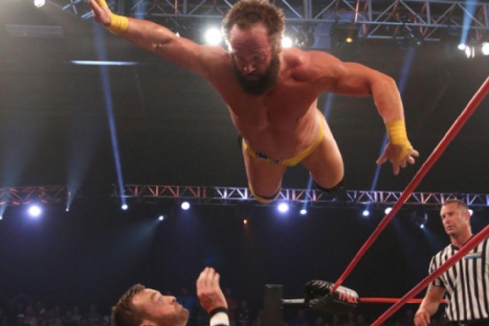 TNA Sacrifice: Παρέμεινε πρωταθλητής ο Young (photos+videos)