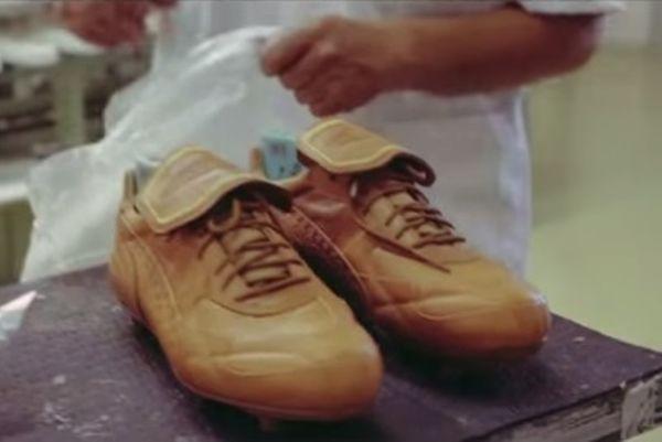 Παγκόσμιο Κύπελλο Βραζιλίας: Τα εκλεκτά παπούτσια του Εουσέμπιο (video)