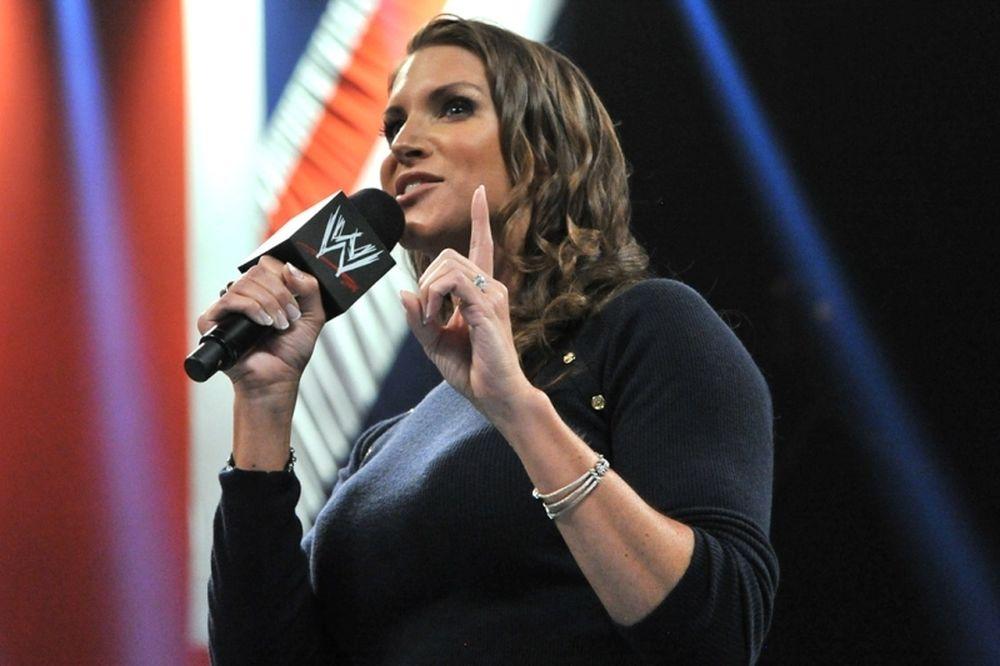 Raw: Περιμένοντας τον Bryan (photos+videos)