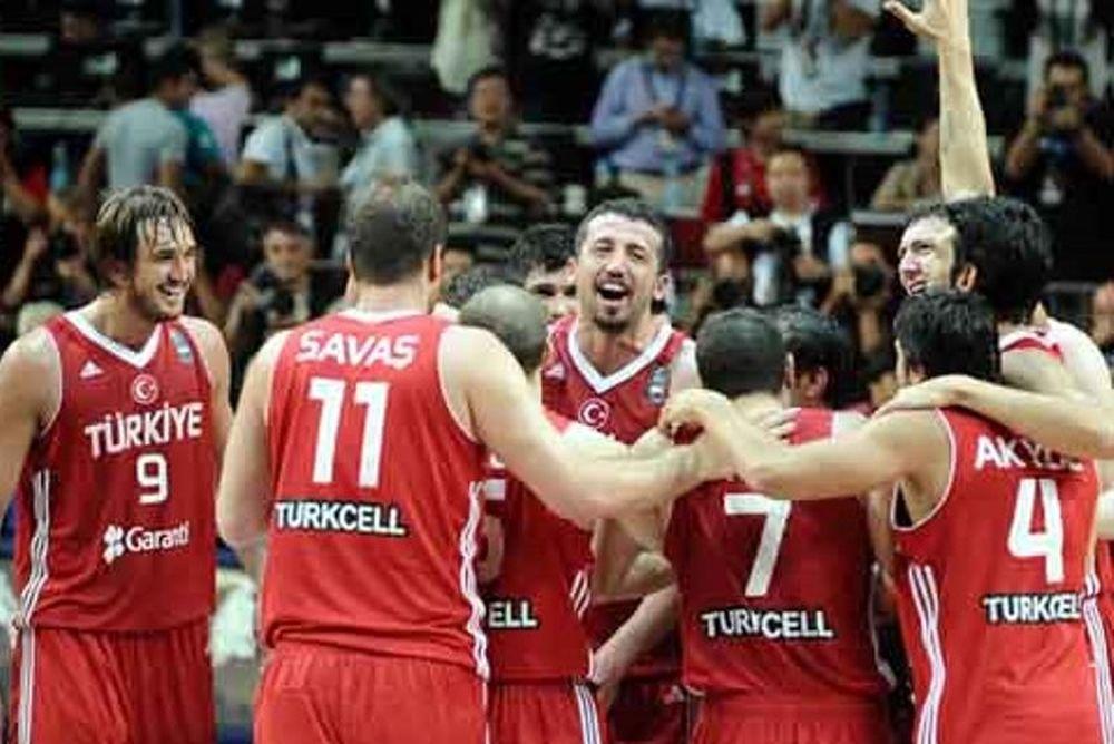 Ντεμιρέλ: «Θα παίξουν Καντέρ, Ιλιασόβα, Ασίκ»