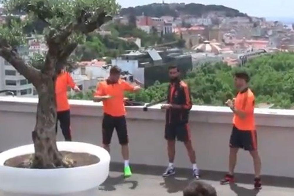 Ρεάλ Μαδρίτης: Ασκήσεις στο ξενοδοχείο (video)
