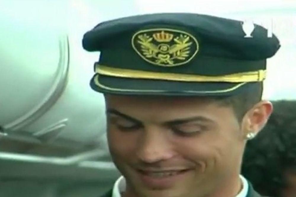 Ρεάλ Μαδρίτης: Πιλότος με... καπέλο ο Ρονάλντο! (video)