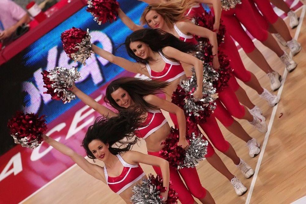 Onsports TV: Σέξι θέαμα στο ΣΕΦ (video)
