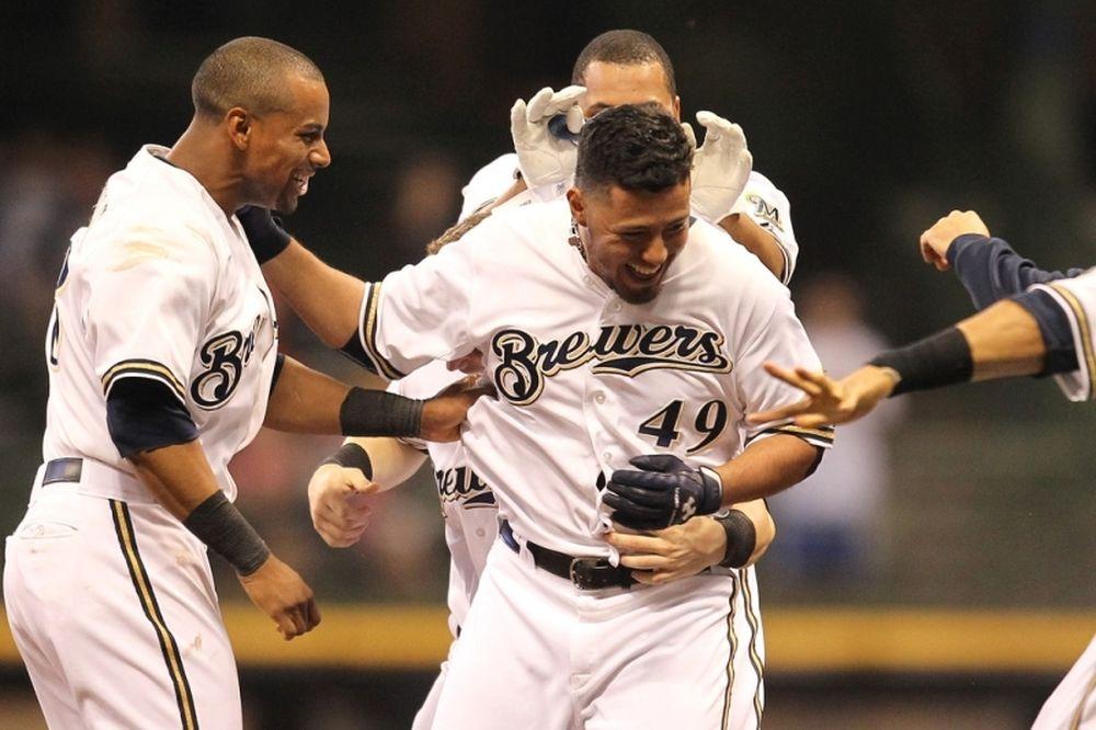 MLB: «Έγραψε» ο Gallardo για Μπρούερς (videos)