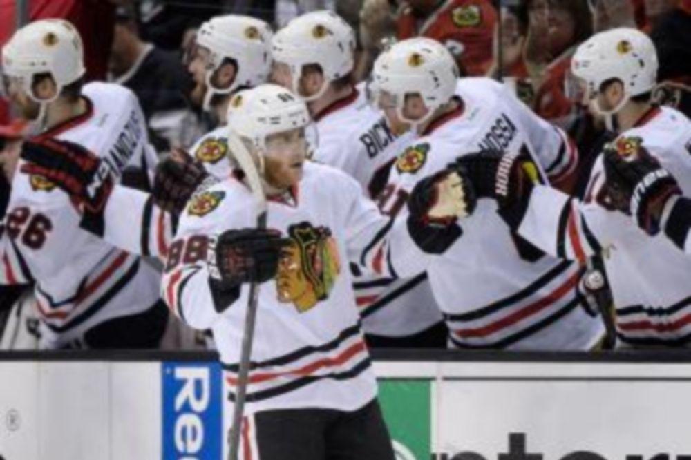 NHL: Έδρασε πάλι ο Kane (video)