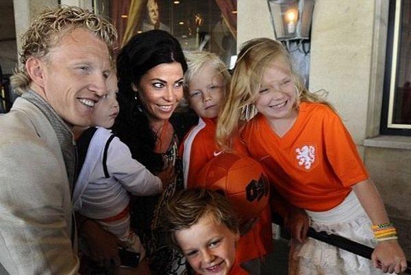 Μουντιάλ 2014: Αποχαιρέτησαν τις γυναίκες τους οι Ολλανδοί (photos)
