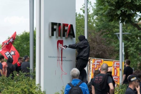 Παγκόσμιο Κύπελλο 2014: «Παρατράγουδα» στα γραφεία της FIFA (photos)