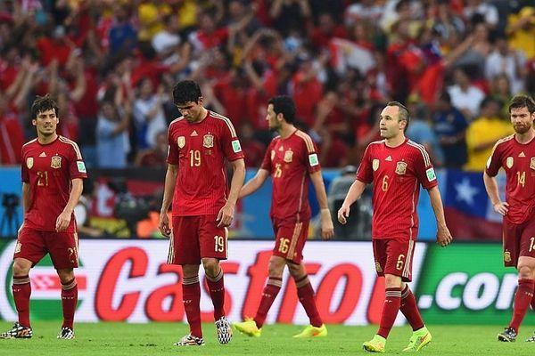 Παγκόσμιο Κύπελλο Ποδοσφαίρου 2014: Αποκλεισμός-σοκ για Ισπανία (photos+videos)