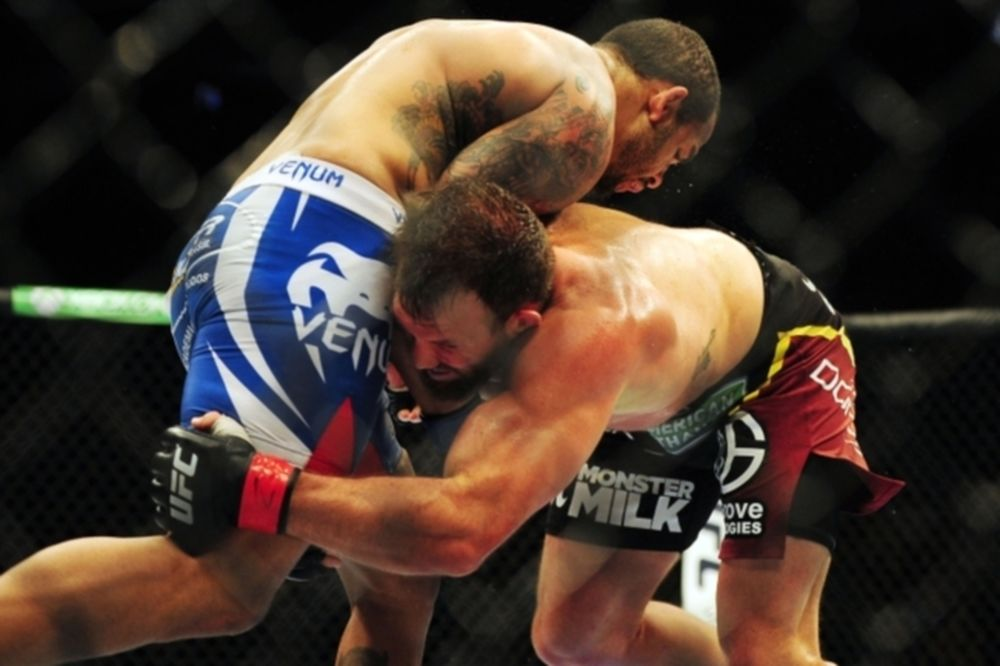 UFC Fight Night 51: Main event με St. Preux και Bader