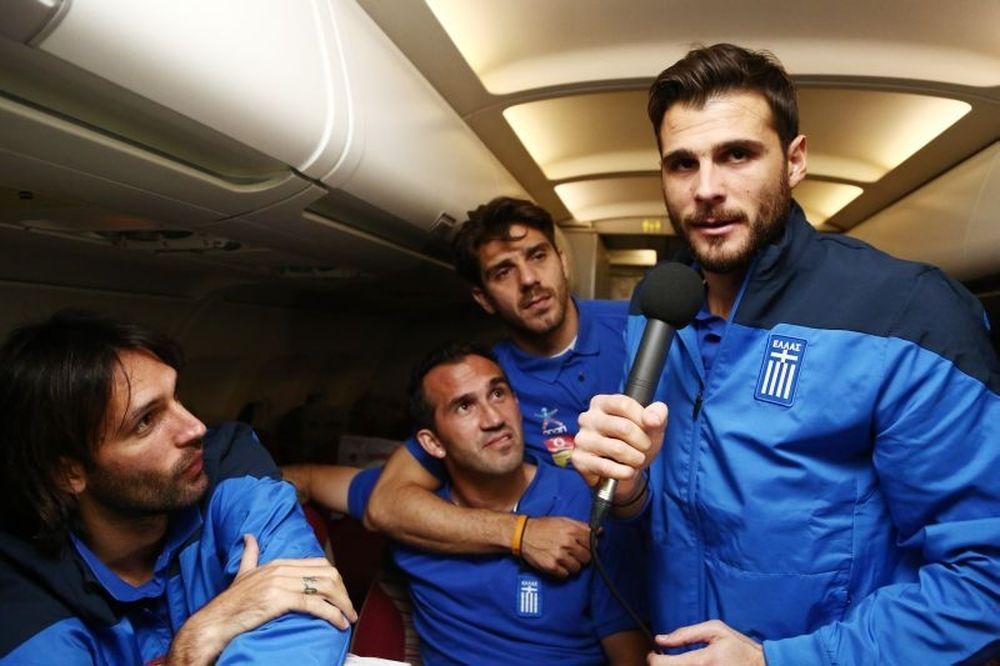Παγκόσμιο Κύπελλο Ποδοσφαίρου 2014 – Ελλάδα: Καρνέζης ρεπόρτερ και χαμός στο αεροπλάνο! (video)