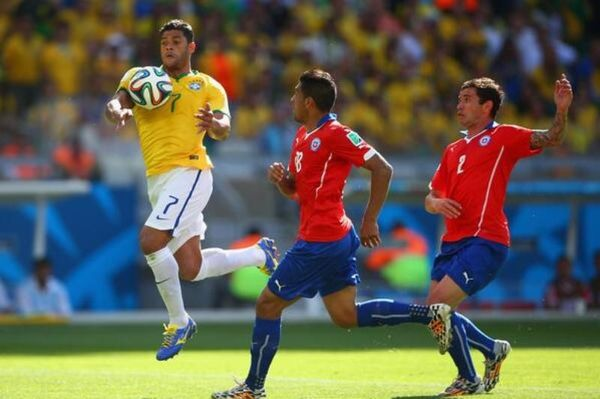 Βραζιλία - Χιλή: Διχάζει το ακυρωμένο γκολ του Χουλκ (photos+videos)