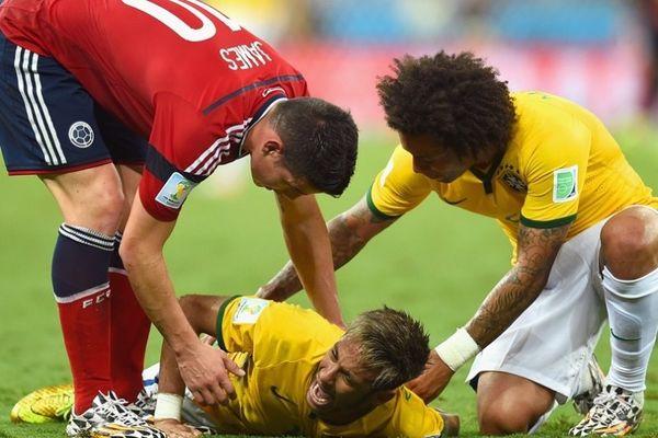 Παγκόσμιο Κύπελλο Ποδοσφαίρου - Προημιτελικοί: Πονάει η Βραζιλία και ο κόσμος όλος (video+ photos)