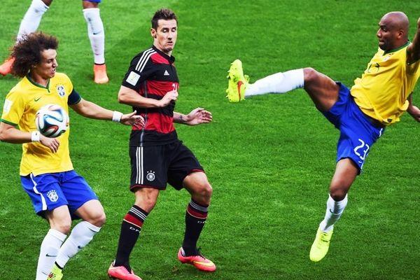 Παγκόσμιο Κύπελλο Ποδοσφαίρου 2014 – Ημιτελικοί: Πρώτος σκόρερ στην ιστορία του Μουντιάλ ο Κλόζε!