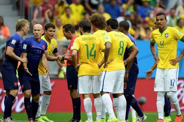 Παγκόσμιο Κύπελλο Ποδοσφαίρου 2014 – Μικρός τελικός: Η χειρότερη διαιτητική απόφαση (photos+video)