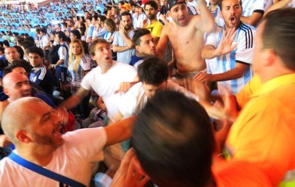 Παγκόσμιο Κύπελλο Ποδοσφαίρου – Τελικός: Ξύλο στις εξέδρες του «Μαρακανά» (photos)