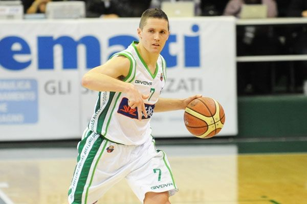 Γιάκα Λάκοβιτς: Αποχωρεί από την Αβελίνο