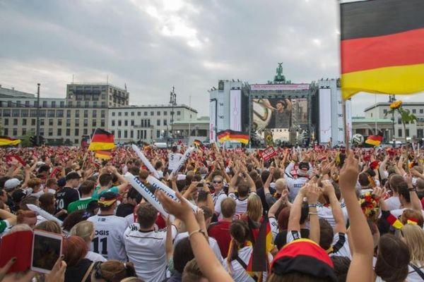 Μουντιάλ 2014:Το Βερολίνο και η Γερμανία γιορτάζουν (photos)
