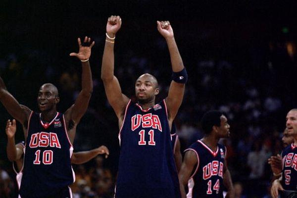 Βιν Μπέικερ: Πουλάει χρυσό Ολυμπιακό μετάλλιο!