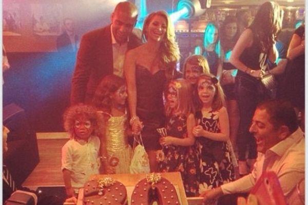 Το απίθανο …πρόωρο πάρτι γενεθλίων του Τζόνσον (photos)