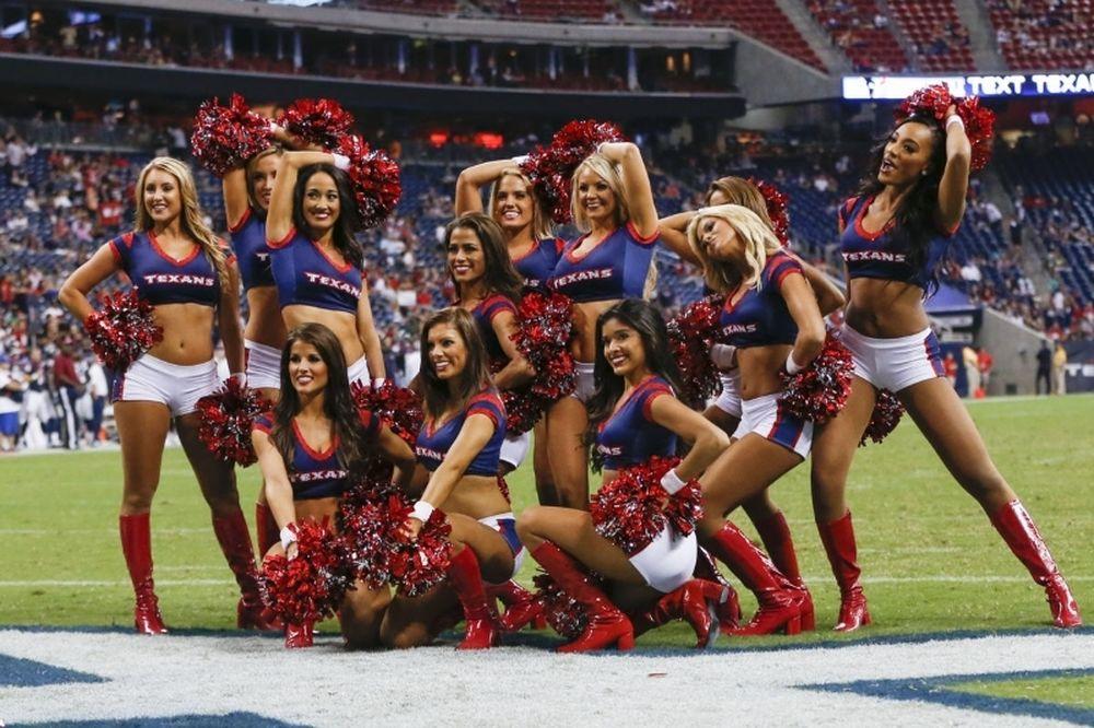 NFL: Έτοιμες και οι Cheerleaders (photos)