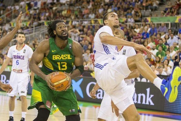 Μουντομπάσκετ 2014: Τράνταξε την μπασκέτα ο Γκομπέρ (video)
