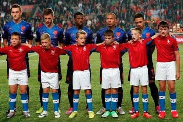 Ολλανδία: Ο Σνάιντερ αρνήθηκε να συνοδεύσει παιδί λόγω... ύψους! (photo)