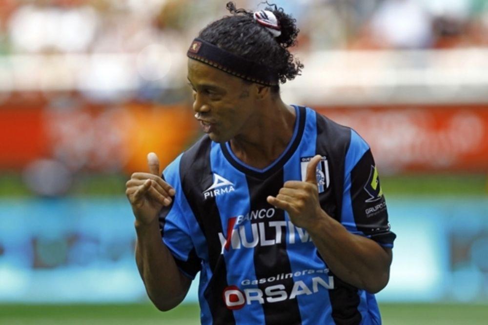 Ροναλντίνιο: Επιστροφή… με γκολ (video)