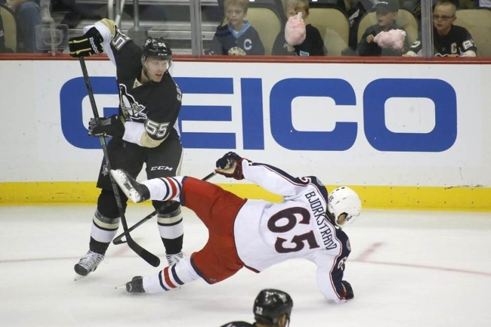 NHL: Νίκη για Πένγκουινς, λύπη για Crosby (videos)
