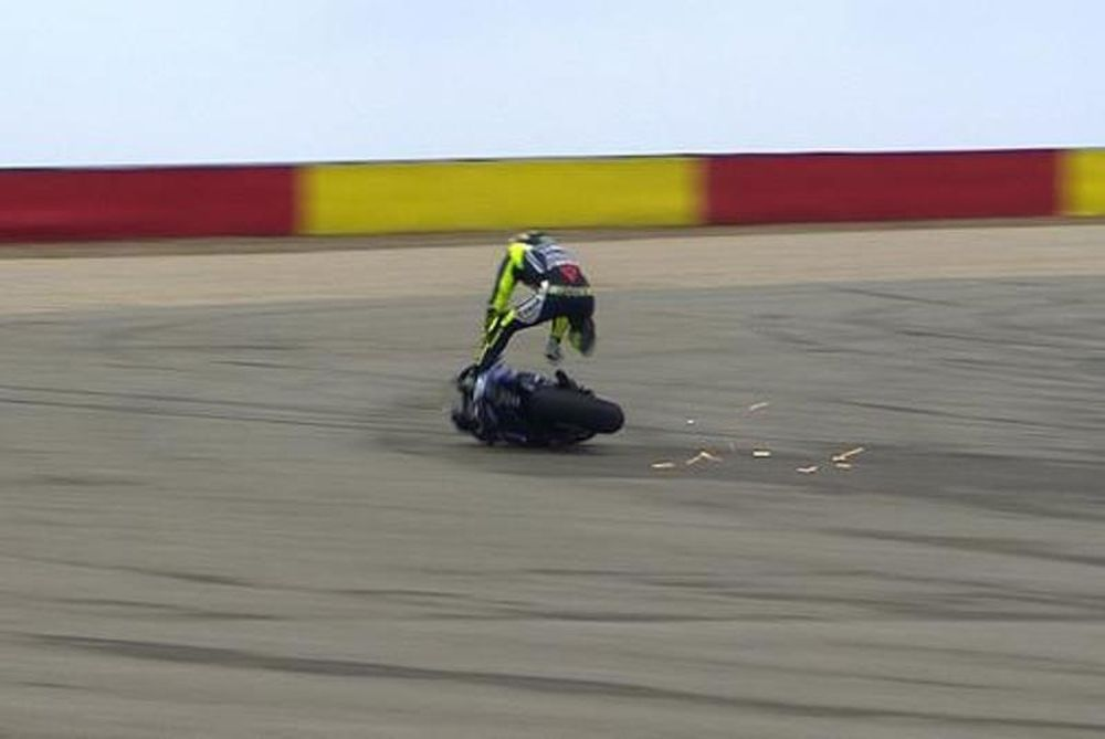 Moto GP: Στο νοσοκομείο ο Ρόσι (photos+videos)