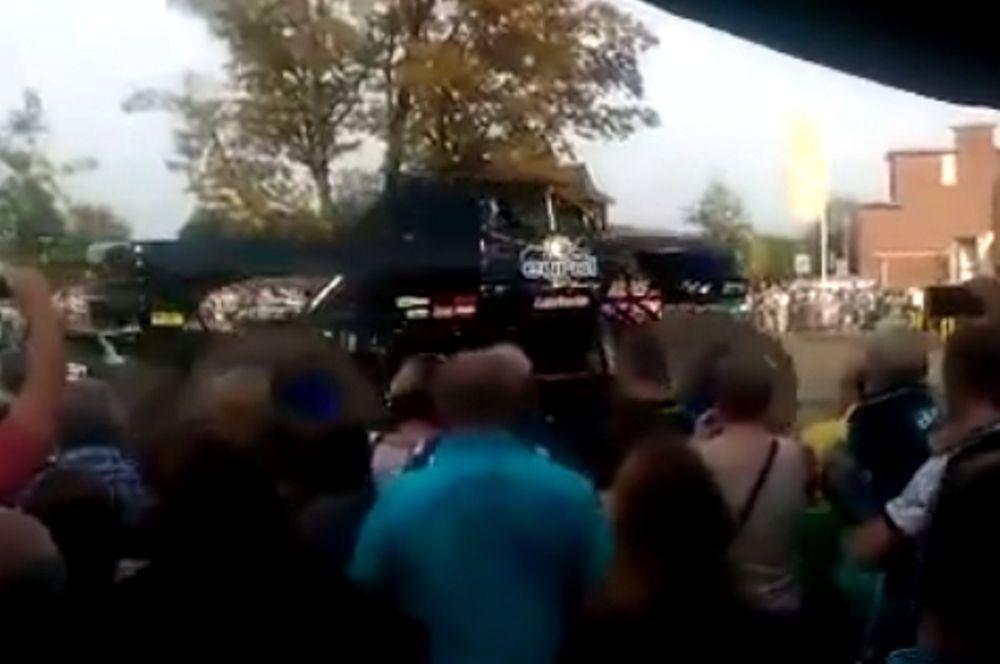 Monster Truck σκότωσε θεατές στην Ολλανδία (video)