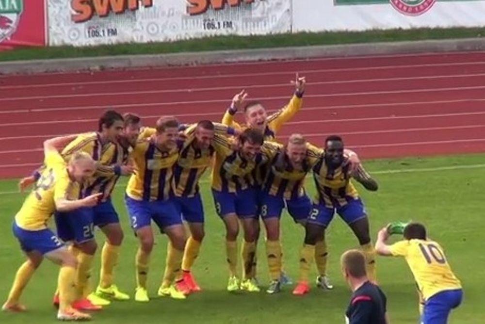 Λετονία: Πανηγύρισαν το γκολ με… ομαδική φωτογραφία! (videos)